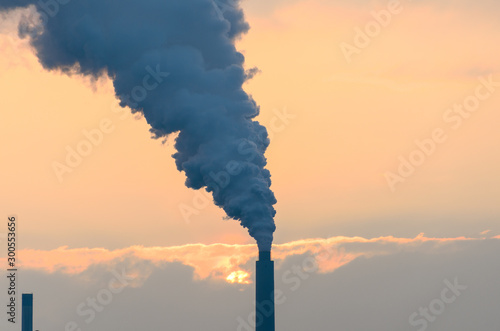 Smoke belching from an industrial smokestack Canvas-taulu