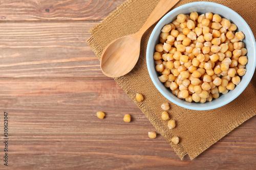 tasty boiled chickpeas on the table. Obraz na płótnie