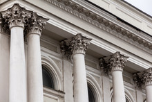Building Is In The Neoclassical Style