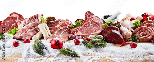 Fotomural  Panoramic view of raw meat for winter holiday