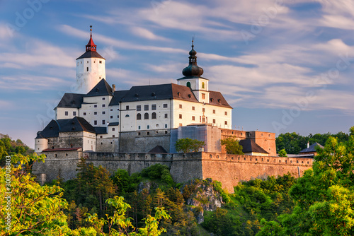 Forchtenstein (Burgenland, Austria) - one of the most beautiful castles in Europ Billede på lærred