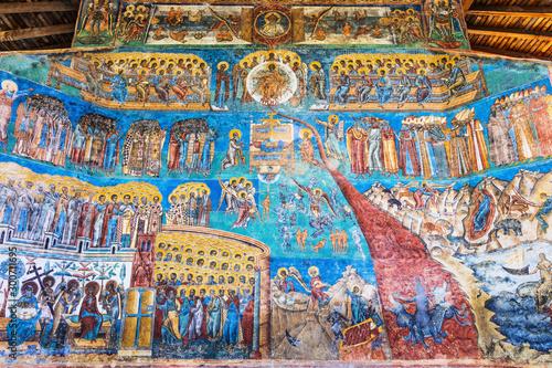 Fotografía The Voronet Monastery, Romania. The last judgement painting.