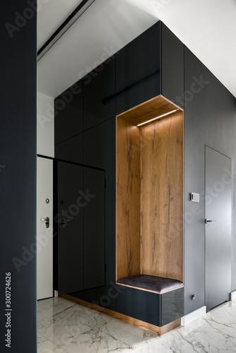 Fotografia Home corridor with black wall