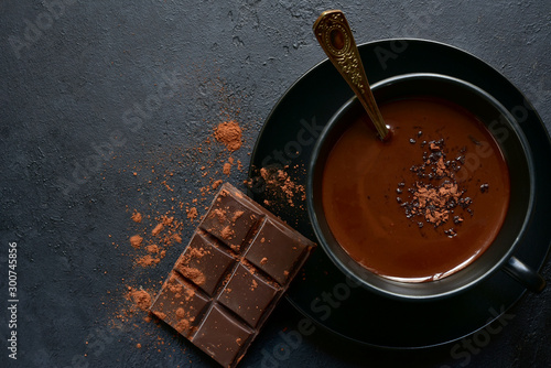 Photographie Homemade hot chocolate with winter spices