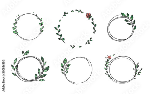 Fotografia Set of 6 circle cute hand drawn frames on the white background