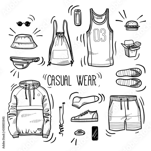 Photo Hand drawn set of men's casual wear sketches: sport tank top, shorts, anorak jacket, shoes, socks, panama hat, backpack, watches, headphones and street food