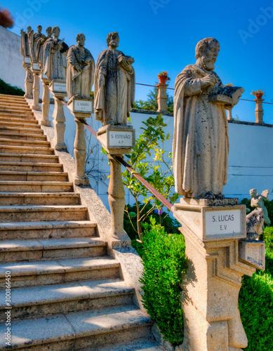 Photo  Statues de saints dans les jardins du palais épiscopal de Castelo Branco, Portug