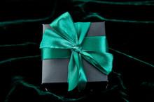 One Luxury Black Gift Boxe Wit...