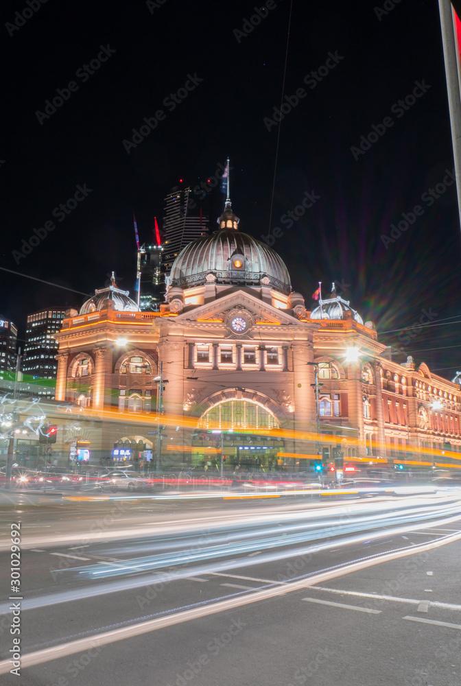 Fototapety, obrazy: night view of flinders street melbourne