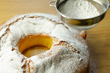 Madeira Ring Loaf Cake Decorat...