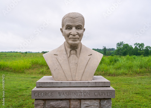 Photo Statue to George Washington Carver at his National Monument