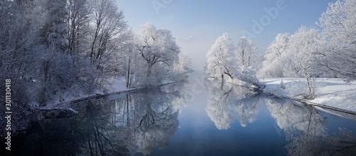 Fotografiet  Winterlicher Loisachablauf