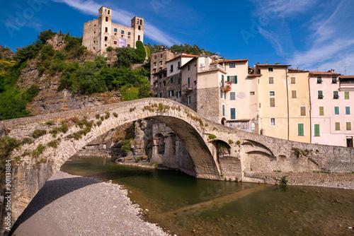 Fotografie, Tablou Vista del Borgo medievale Dolceacqua, Liguria, Italia
