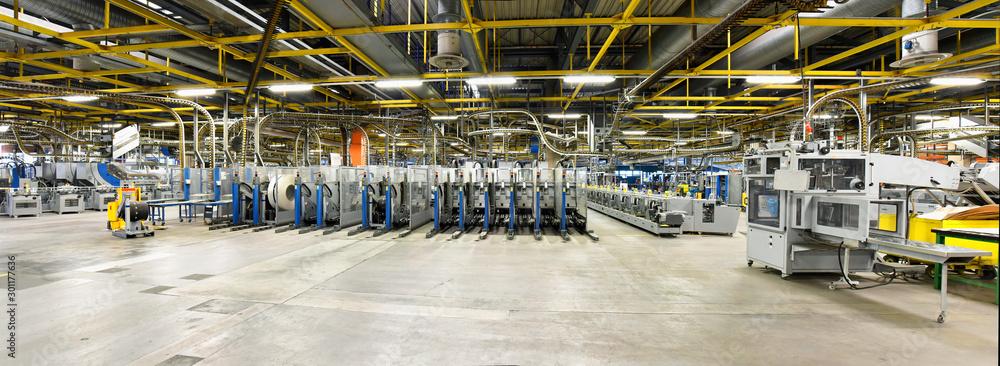 Fototapeta moderne Maschinen in einer Großdruckerei // modern machines in one factory - interior and equipment