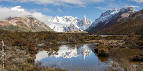 Foto auf Gartenposter Gebirge Fitz Roy und Cerro Torre in Agentinien Chile