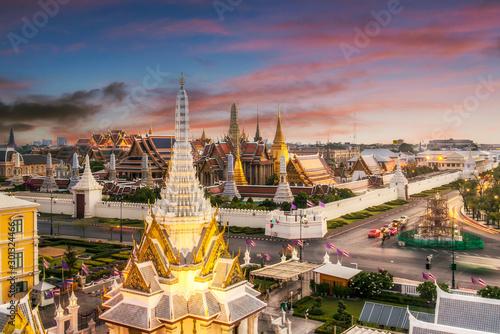 Poster Bangkok Grand palace and Wat phra keaw at sunset bangkok, Thailand