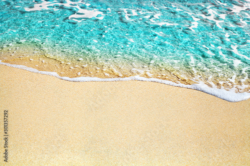 Foto auf AluDibond Turkis Blue sea wave, white foam, golden sand beach, turquoise ocean water close up, summer holidays border frame concept, tropical island vacation backdrop, tourist travel banner design template, copy space