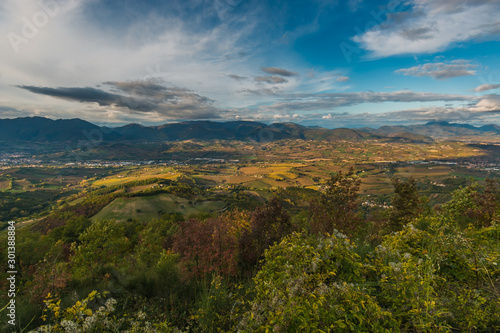 Photo Beautiful panoramic view of marche apennines in Italy