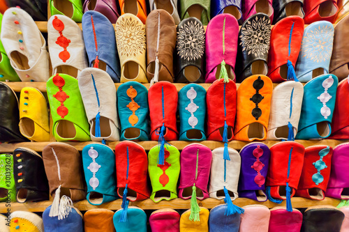 Fotografiet  Colorful moroccan babouches shoes.