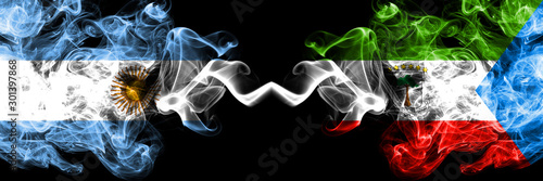 Pinturas sobre lienzo  Argentina vs Equatorial Guinea smoky mystic fire flags placed side by side