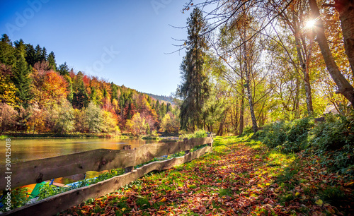 Obraz Incredible autumn landscape with lake and mountains - fototapety do salonu
