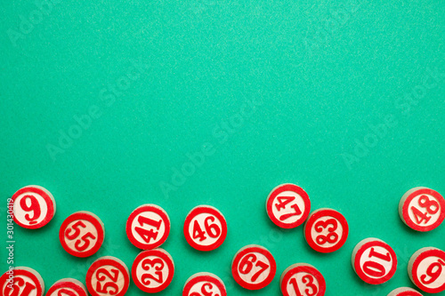 bingo numbers on green background - flat lay style Canvas Print
