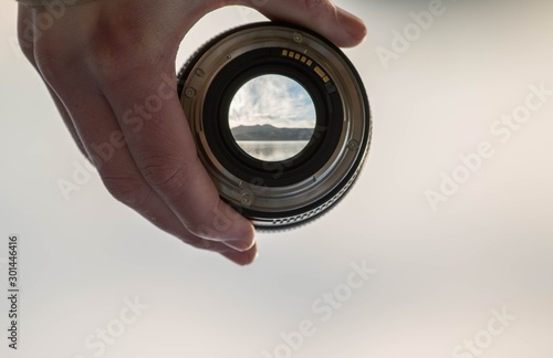 Cuadros en Lienzo  view through lens