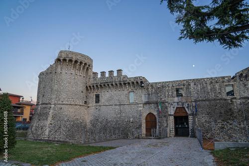 Photo Cityscape with medieval castel at Avezzano in Abruzzo, Italy