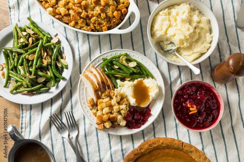 Pinturas sobre lienzo  Homemade Thanksgiving Turkey Dinner with Stuffing Potatoes