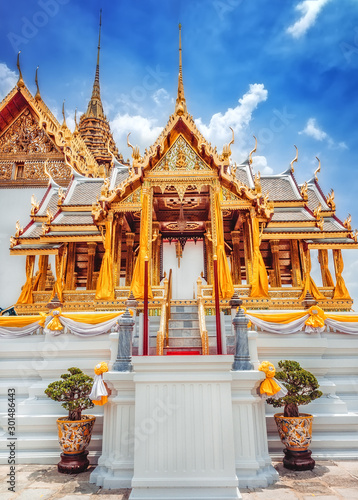Phra Maha Prasat group in The Royal Grand Palace, Phra Borom Maha Ratcha Wang - Canvas Print