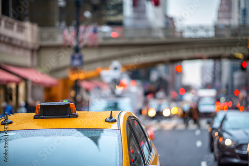 Foto op Aluminium New York TAXI New York City, taxi and traffic along Grand Central Terminal