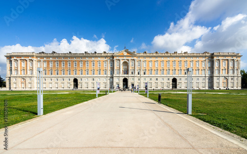Photographie  Exterior of the The Royal Palace of Caserta, designed by the architect Luigi Van