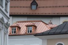 Haus Mit Kupferdach In Salzburg