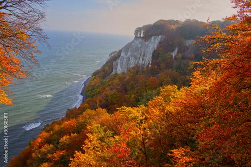 Fototapeta Kreidefelsen Rügen im Herbst