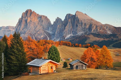 Autumn landscape of Seiser Alm, the largest high-altitude alpine meadow in Europ Tableau sur Toile