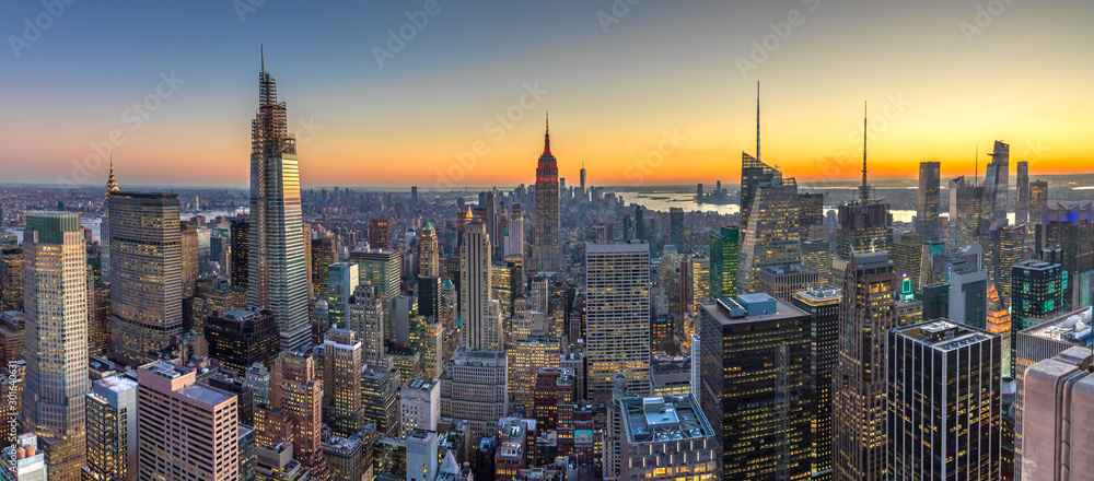 Fototapety, obrazy: New York City Manhattan buildings skyline sunset evening