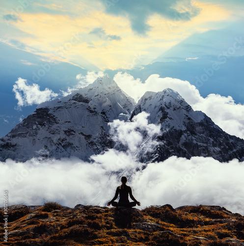 Fotobehang School de yoga Serenity and yoga practicing at himalayas mountain range, meditation