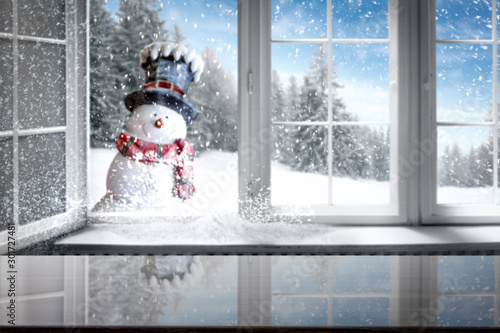 Foto auf AluDibond Grau Blurred winter window and free space for your decoration.