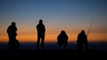 Angler Im Sonnenuntergang Am Atlantik In Portugal
