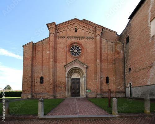 la facciata della chiesa dell'abbazia cistercense di Fontevivo Canvas Print