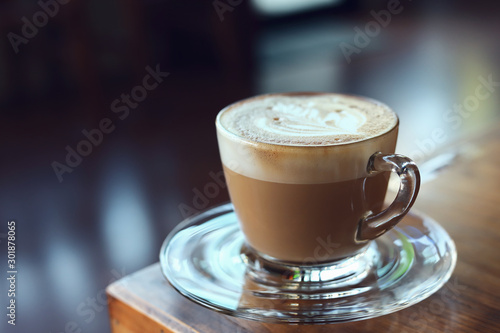 Tableau sur Toile hot latte coffee in cafe
