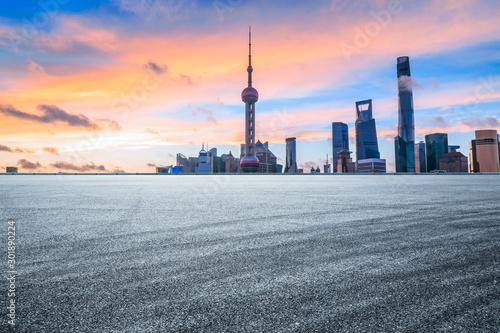 Foto auf Leinwand Shanghai Sunset architectural landscape and asphalt road in Shanghai
