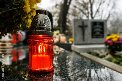 Fotografiet  KRAKOW, POLAND - NOVEMBER 01, 2019: Rakowicki Cemetery, one of the best known ce