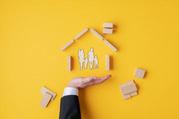 Fototapeta na wymiar Insurance and home ownership concept