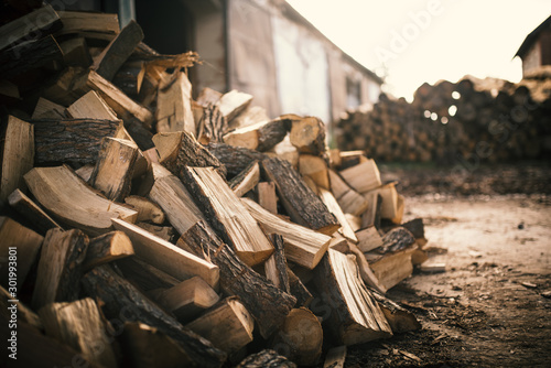 Fotografía  Pile of firewood on a heap