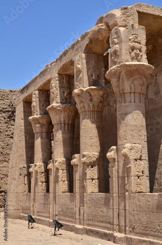 COLONNES PETIT TEMPLE EDFOU EGYPTE Billede på lærred