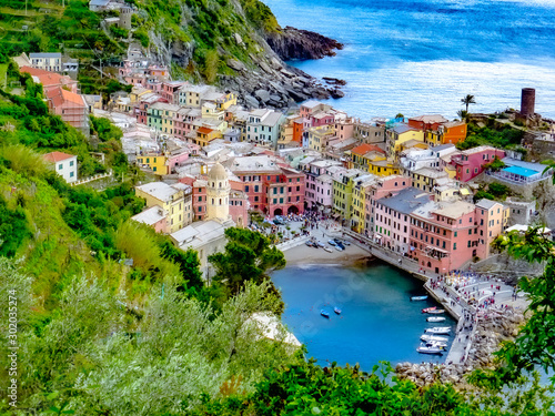 Fotomural  exploring  the costal village of Vernazza, which is a small village in the Ligur