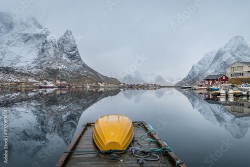 Obraz winter scene of reine fishing town at norway - fototapety do salonu