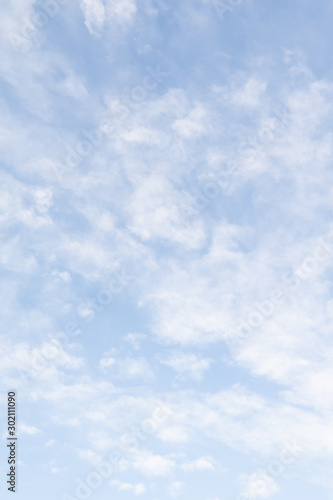 Blue sky background with white clouds, high clouds Fototapet