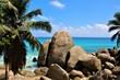 Felsformation an einem Strand in Mahe, Seychellen